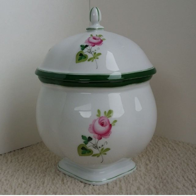 Herend VRH Vieille Rose de Herend porcelain tea caddy