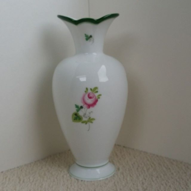 Herend VRH Vieille Rose de Herend porcelain vase small