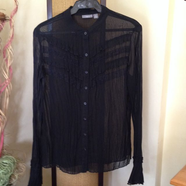 Pre-loved Black Button-Up Shirt