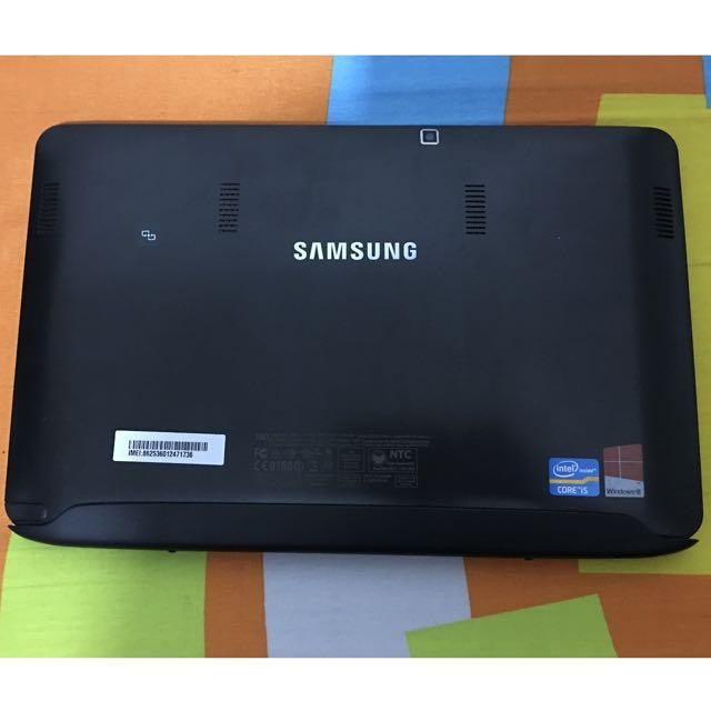 Samsung ATIV 700T Tablet / Notebook 2in1