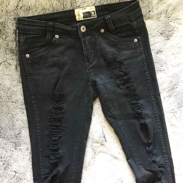 Size 6 Ripped Skinny Jeans Black