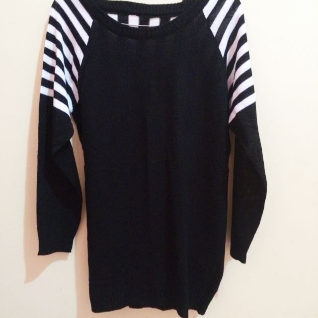 Sweater Rajut Stripes