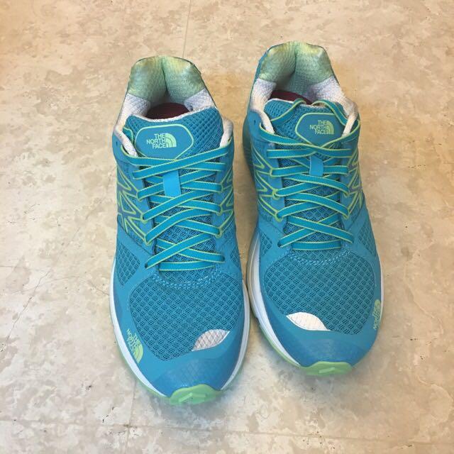 The North Face女越野跑鞋