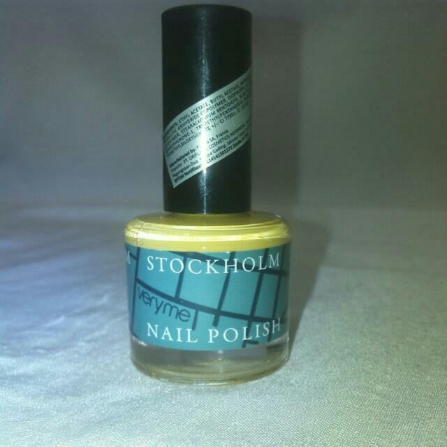 Very Me Stockholm Nail Polish -Yellow