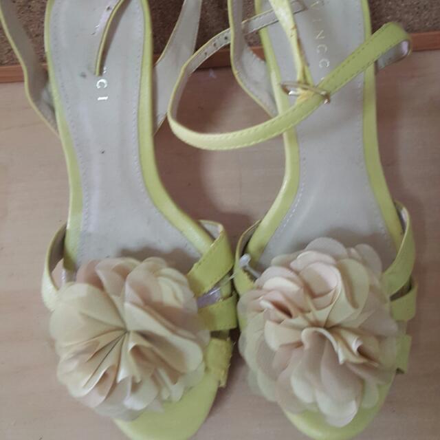 Vincci Flower Heels