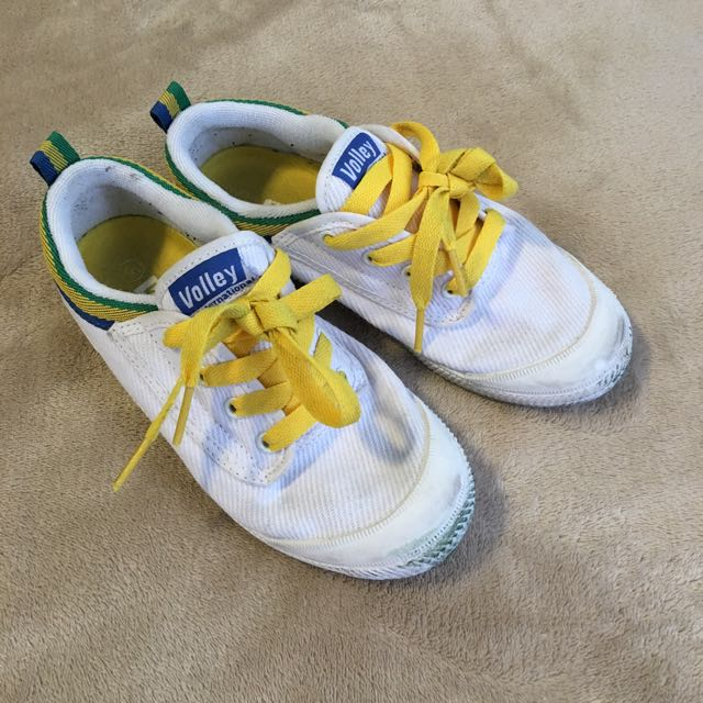 Volley Classic Tennis Shoes. Boy Or Girl