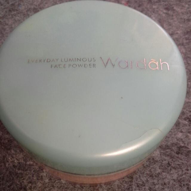 Wardah - face Powder { 02 Beige }