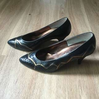Vintage Heels Size 35 As New