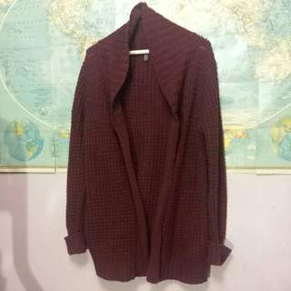Knitted maroon Cardigan