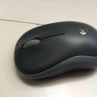 M185 logitech Mouse