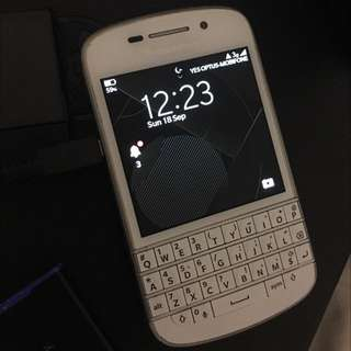 FOR PARTS Blackberry Q10