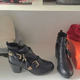 Black Leather Fashion Boots