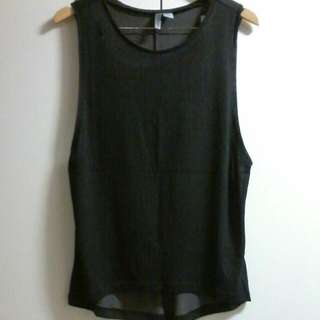 H & M DIVIDED SINGLET TOP
