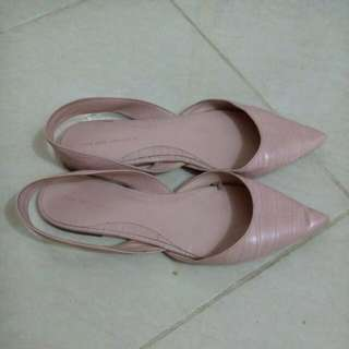 SALE!! ZARA Pink pointed Embossed Slingback