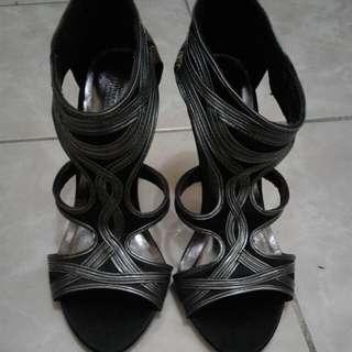 Sepatu High Hells Merek Amante