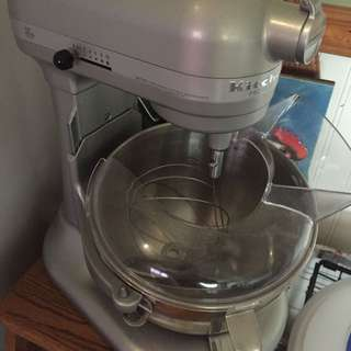 Kitchen Aid Mixer With 3 Attachments