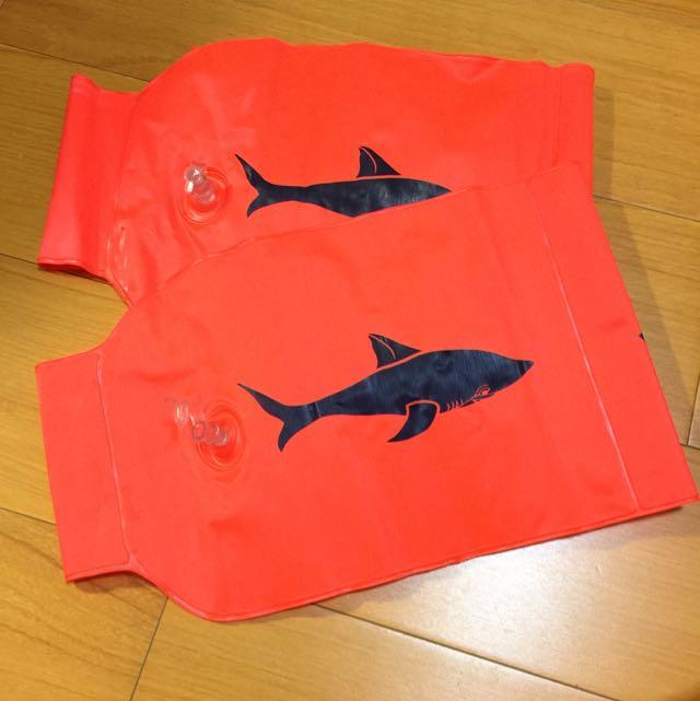 游泳必備成人兒童寶寶 橘色鯊魚充氣式 手臂圈 手臂環 浮圈 泳圈 水袖