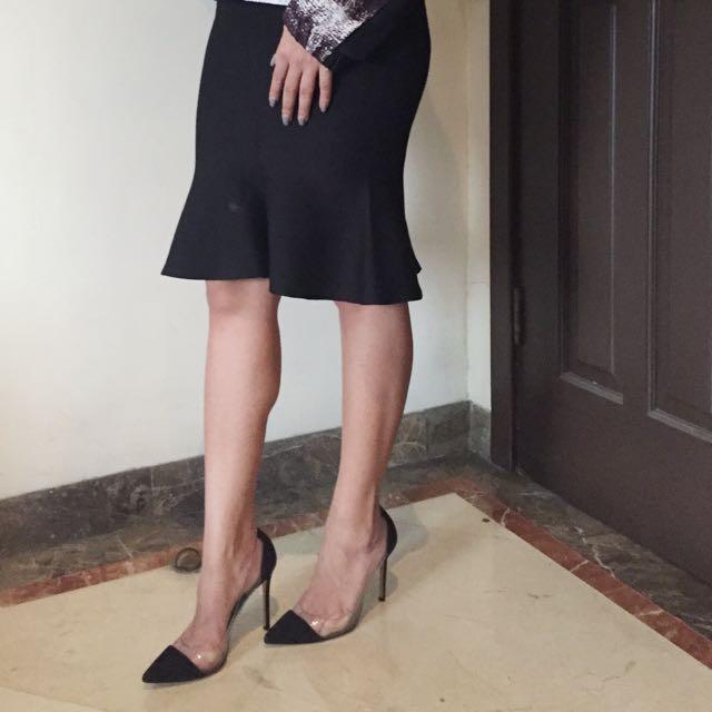 Black Skirt Knitted