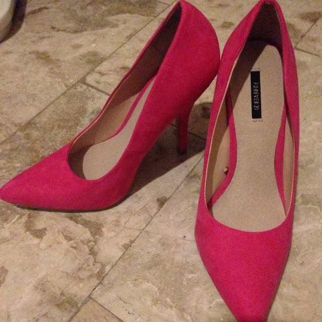forever 21 pumps (used once complete with box)