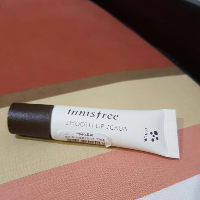 Inisfree Smooth Lip Scrub