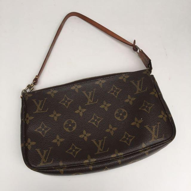 Louis Vuitton Clutch/small Bag