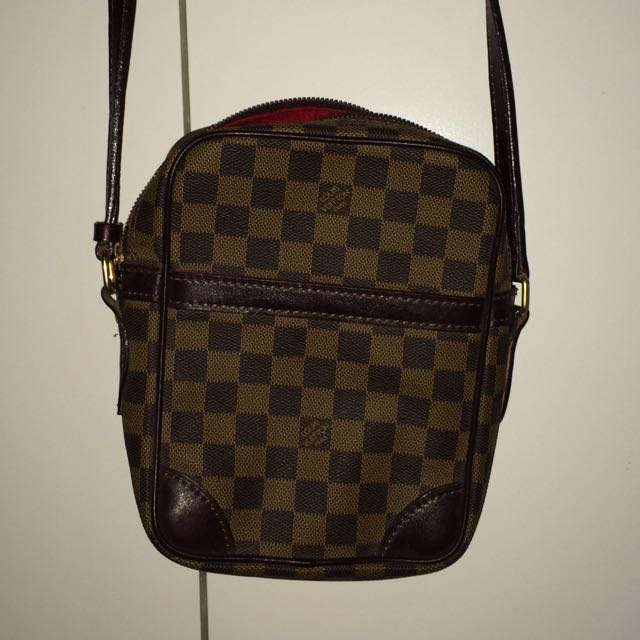 e262e81aa2069 Louis Vuitton Man Bag  REPLICA