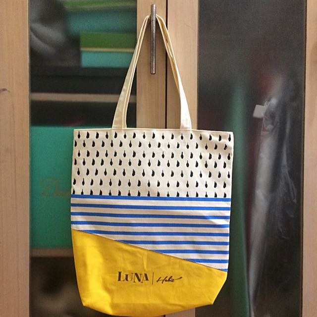 Luna Habit Handbag