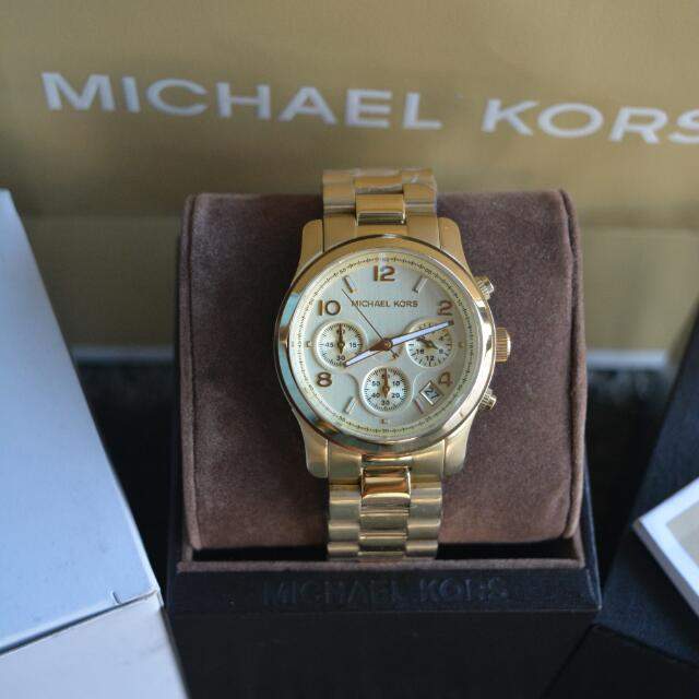 99db39228392 Michael Kors Runway Medium Chronograph Watch (MK5055