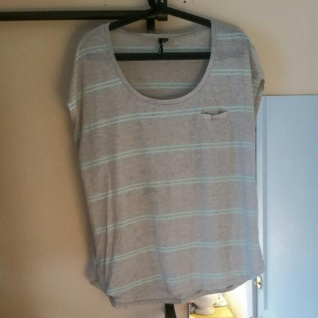 Oneil Size XL Tshirt