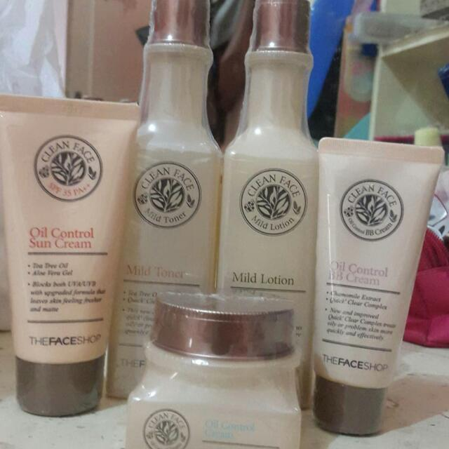 FACESHOP CLEAN FACE  ORI KOREA BARU MASIH SEGEL JUAL MURAH 150RB PER ITEM  HARGA COUNTER 275/ ITEM   TAKE ALL DISKON LAGI
