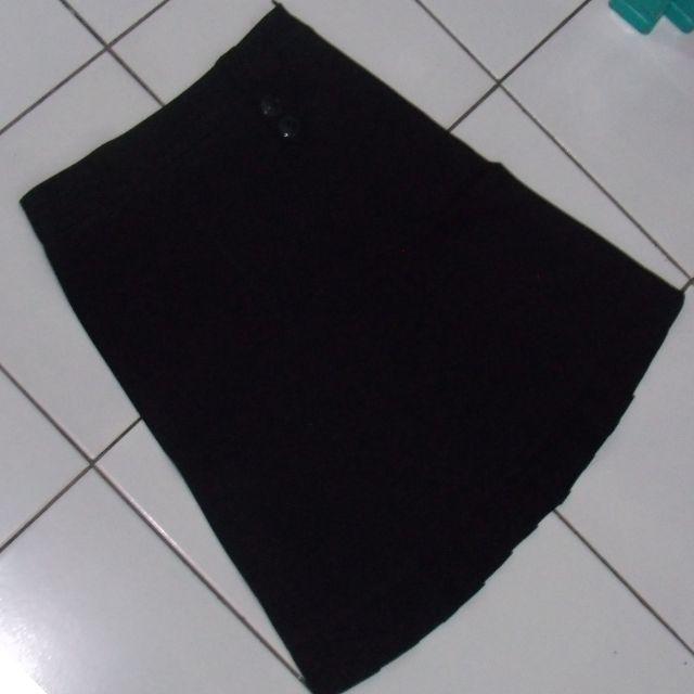 Preloved - Black Button Skirt