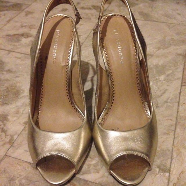 primadonna peep toe heels (used only once)