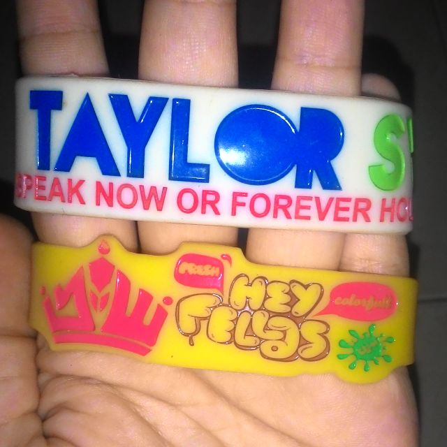 Wristband Taylor Swift & JW Fellas