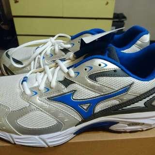 Mizuno 跑步鞋