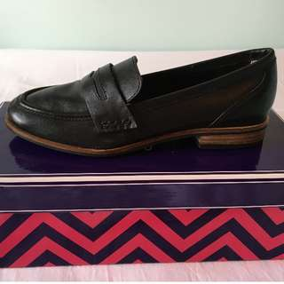 BRAND NEW Seychelles Loafers