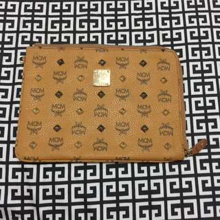 I.N.S.P.I.R.E.D MCM Pouch