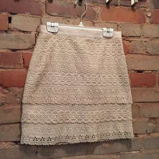 Club Monaco Size 0 Lace Skirt