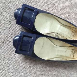 Roger Vivier Flat Shoes!