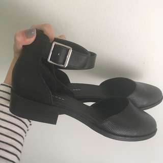 BRAND NEW New Look Black Faux Leather Flats With Buckles