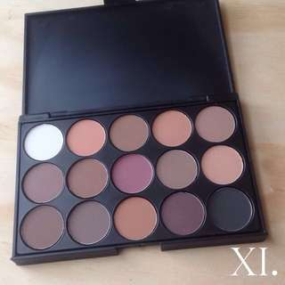 15 Colour Nude Eyeshadow Palette