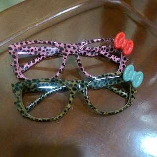 兩支可愛蝴蝶結眼鏡