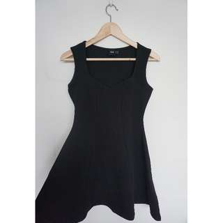 Sleeveless Sweetheart Skater Dress in Texture - Size 10