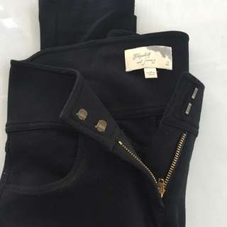 Elizabeth and James Size 2 Black Knit Pants