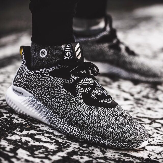 52088eea62e45 Authentic  Alphabounce
