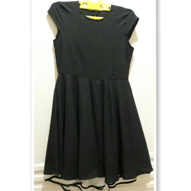 Dres black