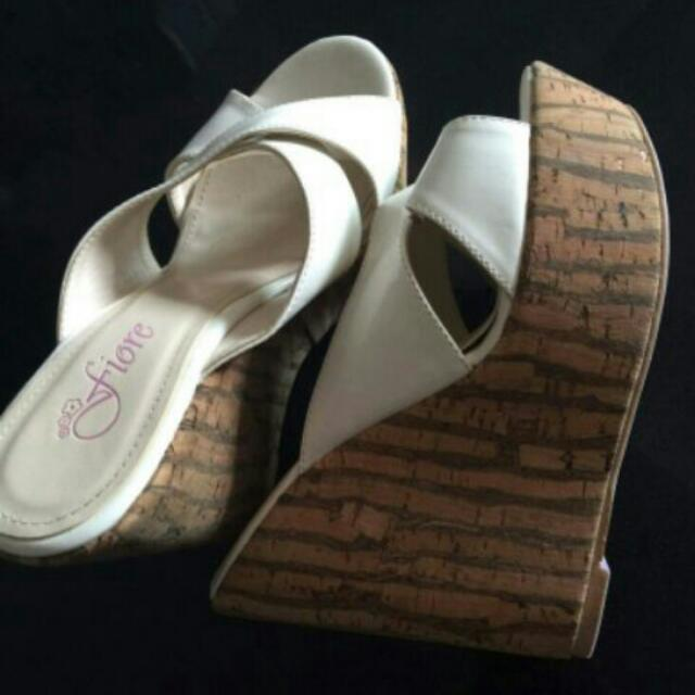 fiore wedge size 35