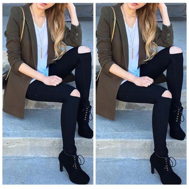 High Waist Black Ripped Jeans