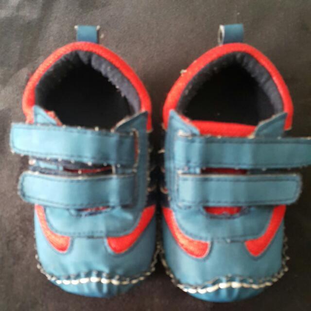 Sepatu 3-6 Bulan