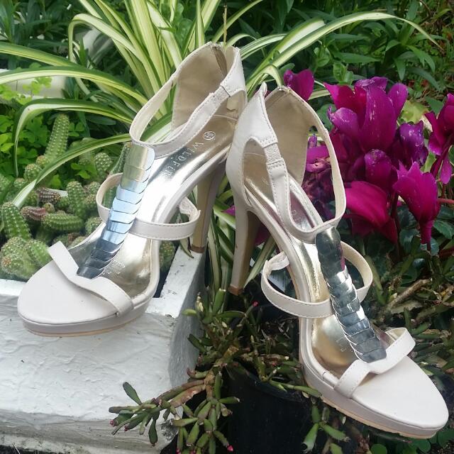 Womens Size 8 1/2 Heels
