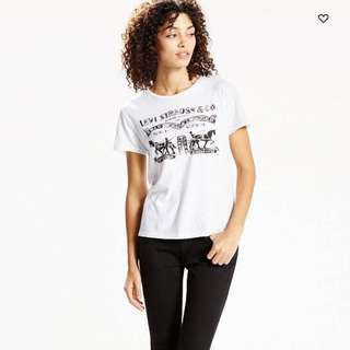 "Levi's ""The Perfect Tee"""
